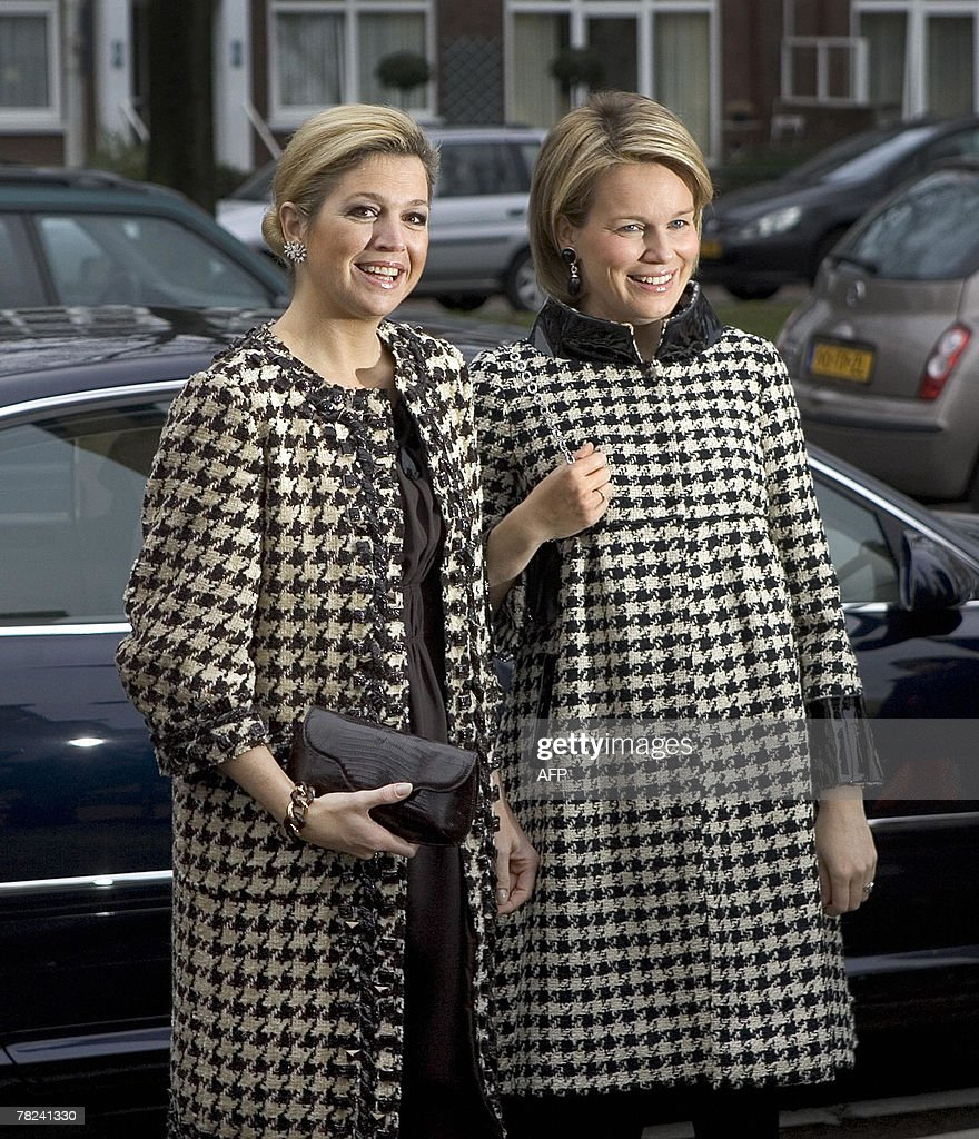Belgian princess Mathilde (r) and Dutch princess Maxima arrive to receive a publication about the history of Dutch and Belgian painting between 1400 and 2000, 04 December 2007 in The Hague, Netherlands. ANP PHOTO ROYAL IMAGES ROBERT VOS netherlands out - belgium out