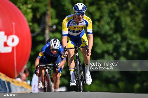 Belgian Remco Evenepoel of Deceuninck - Quick-Step and Belgian Robbe Ghys of Sport Vlaanderen-Baloise sprint for the finish of the first stage of the...