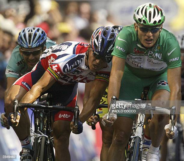 Belgian Serge Baguet and Australian Baden Cooke sprint shoulder to shoulder towards the finish line of the 10th stage of the 90th Tour de France...