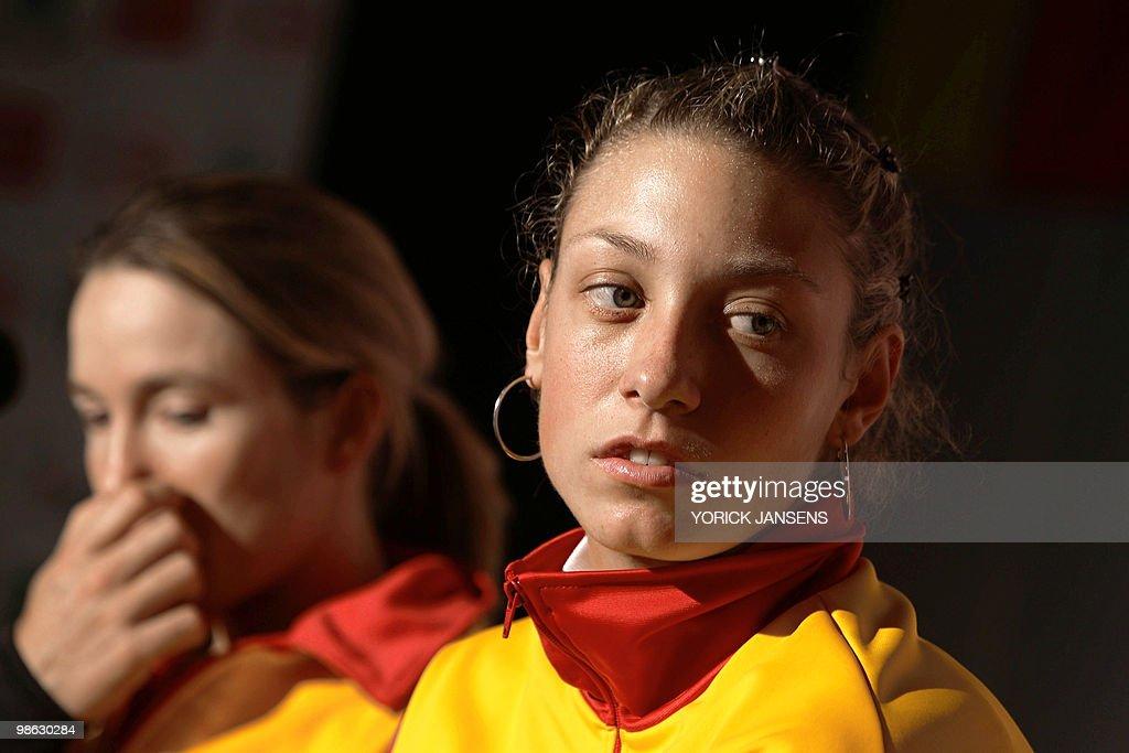 Belgian tennis player Justine Henin (L) : Nieuwsfoto's