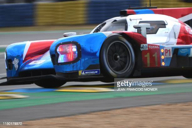 Belgian's driver Stoffel Vandoorne steers on his BR Engineering BR1 AER LMP1 N°11 during the 87th edition of the 24 Hours Le Mans endurance race at...
