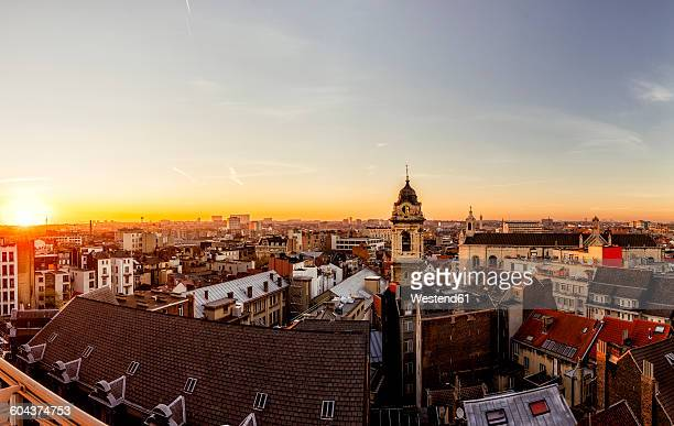 belgiuem, brussels, cityscape at sunset - brussels capital region stock pictures, royalty-free photos & images