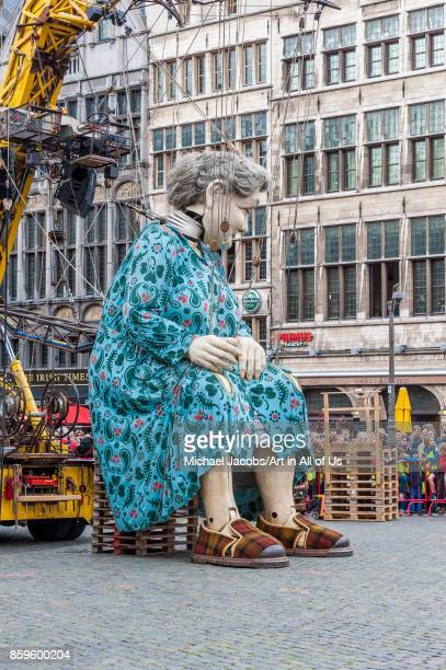 Belgium Antwerp De Reuzen The Giants by Royal de Luxe Zomer van Antwerpen 2015 19th june 2015