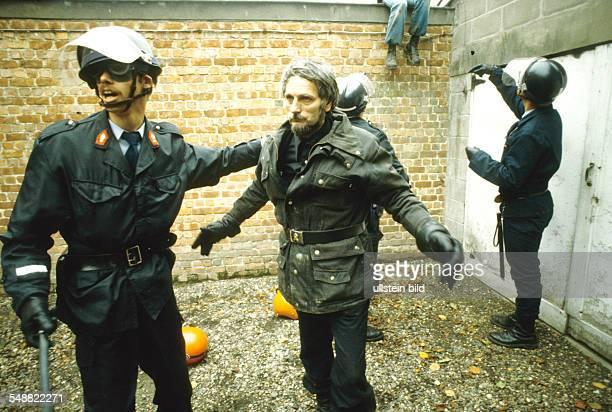 Belgium: Arresting a member of the militant VMO.