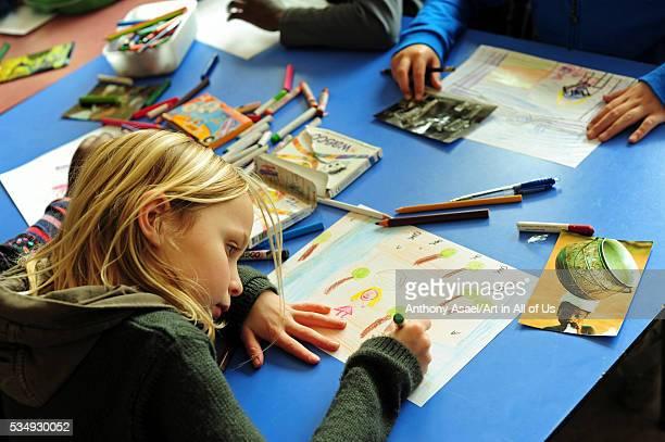 Belgium Asse Basisschool Vijverbeek Art in All of Us Awareness program activities in scool classroom drawing
