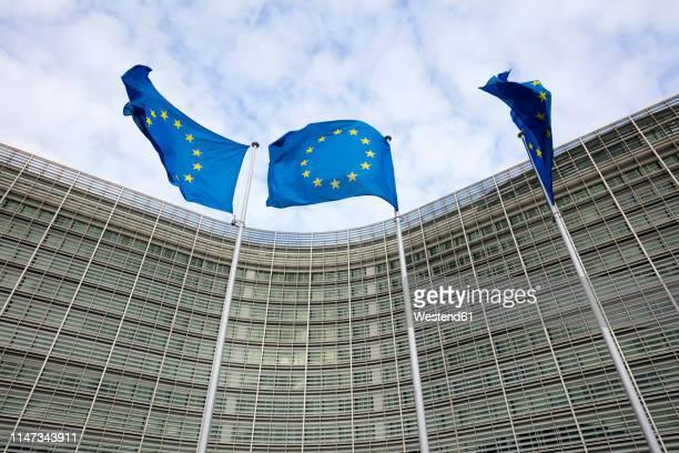 belgium, brussels, berlaymont building, european commission, administrative building of the european union - 欧州連合旗 ストックフォトと画像