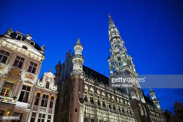 belgium, brussels, exterior - ルクセンブルク市庁舎 ストックフォトと画像