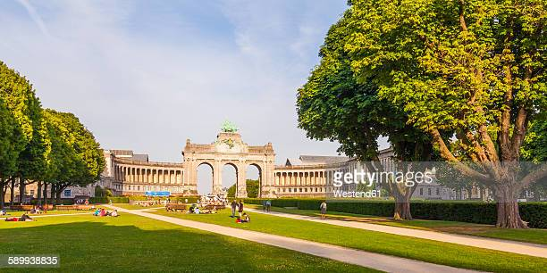 belgium, brussels, parc du cinquantenaire, triumphal arch, panorama - brussels capital region stock pictures, royalty-free photos & images