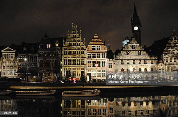 belgium, east flanders, ghent, graslei, reflection - flandres oriental imagens e fotografias de stock