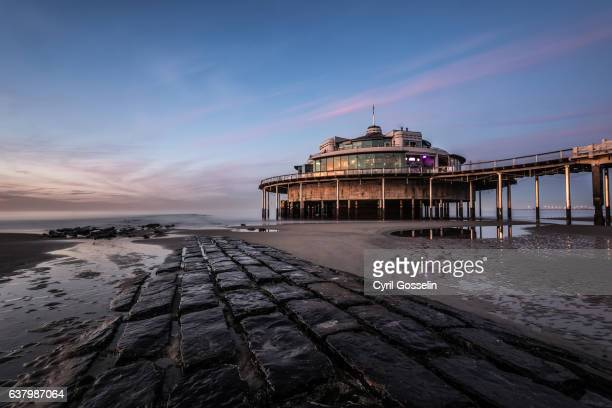 belgium pier in blankenberge - sonnenuntergang stock pictures, royalty-free photos & images