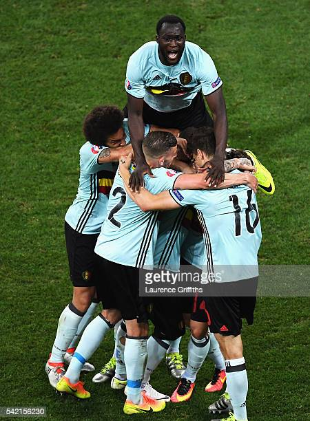 Belgium players celebrate the goal scored by Radja Nainggolan of Belgium during the UEFA EURO 2016 Group E match between Sweden and Belgium at...