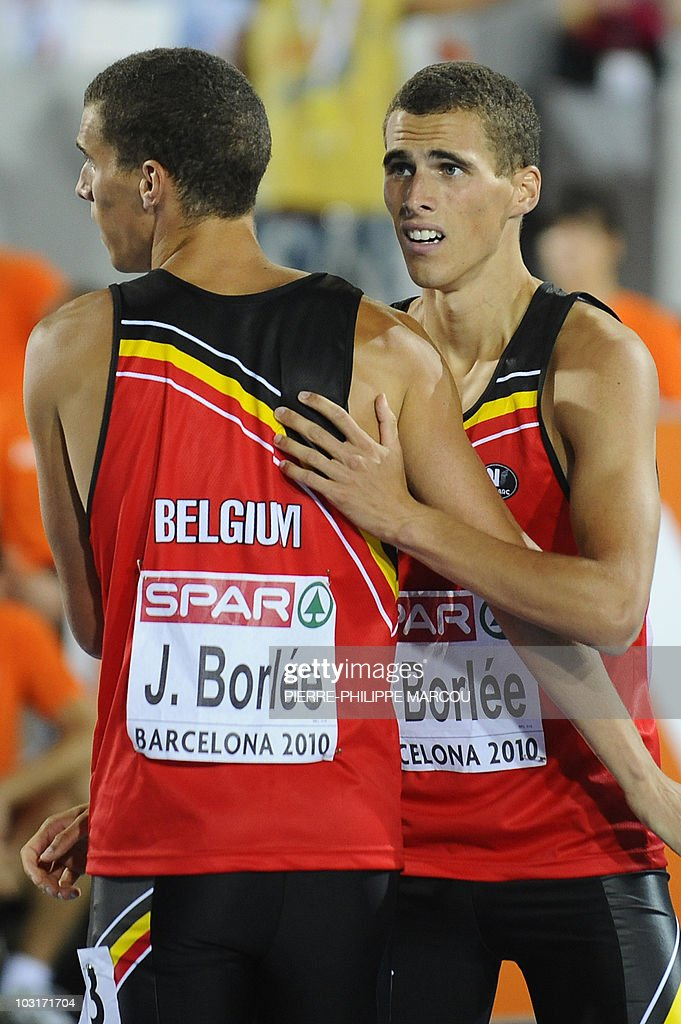 Belgium's Kevin Borlee (R) is congratula : News Photo