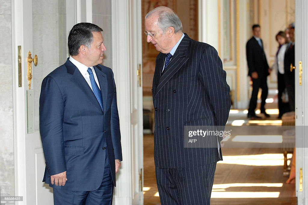 Belgium's King Albert II (R) meets with Jordan's King Abdullah on June 18, 2009 at the Royal Palace in Laeken/Laken. King Abdullah is on a tour of the EU for talks on peace in the Middle East.