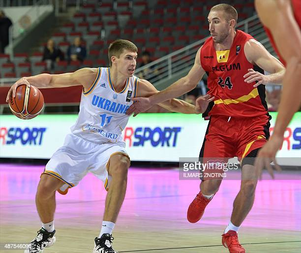 Belgium's Matt Lojeski vies for the ball with Ukraine's Oleksandr Lypovyy during the Eurobasket 2015 group D basketball match Ukraine vs Belgium in...