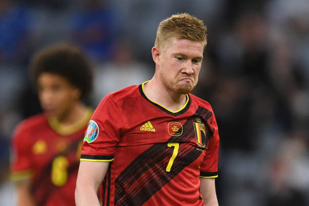 Belgium's midfielder Kevin De Bruyne reacts during the UEFA EURO 2020 quarter-final football match between Belgium and Italy at the Allianz Arena in...