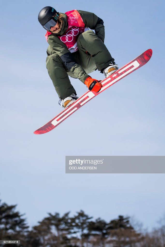 Belgium's Sebbe de Buck competes during the qualification of the men's snowboard big air event at the Alpensia Ski Jumping Centre during the Pyeongchang 2018 Winter Olympic Games in Pyeongchang on February 21, 2018. / AFP PHOTO / Odd ANDERSEN