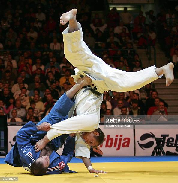 France's Frederic Demontfaucon vies with The Netherlands' Elco Van Der Geest in the men's 100 kg for third place match of the Euro Judo Championship...