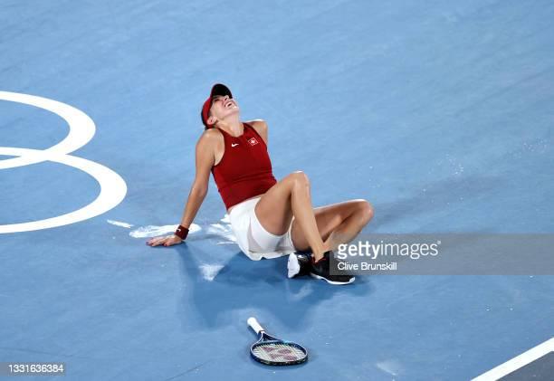 Belinda Bencic of Team Switzerland celebrates defeating Marketa Vondrousova of Team Czech Republic to win the gold medal after the Women's Singles...