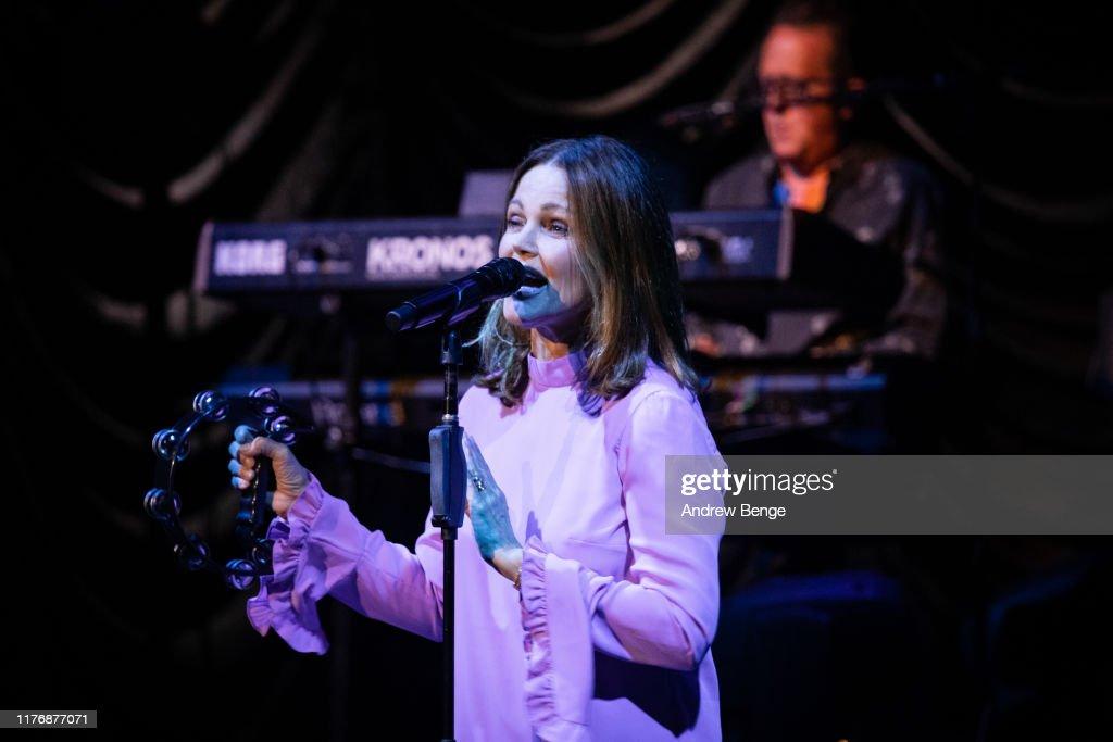 Belinda Carlisle Performs At The Barbican, York : News Photo