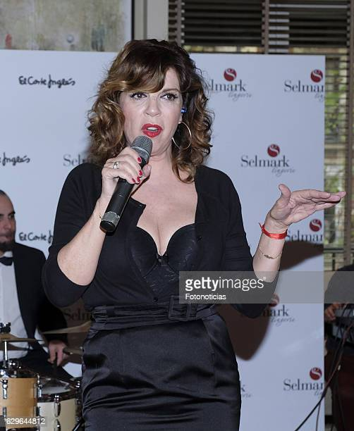 Belinda Washington performs during the Selmark Christmas collection launch show at Loft on December 14 2016 in Madrid Spain