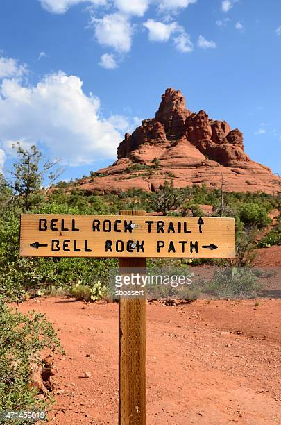 bell rock セドナの - トレイル表示 ストックフォトと画像