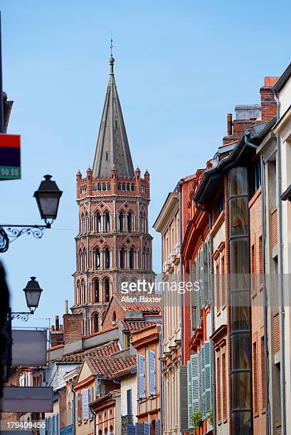 bell tower of the basilica of st sernin' - toulouse photos et images de collection