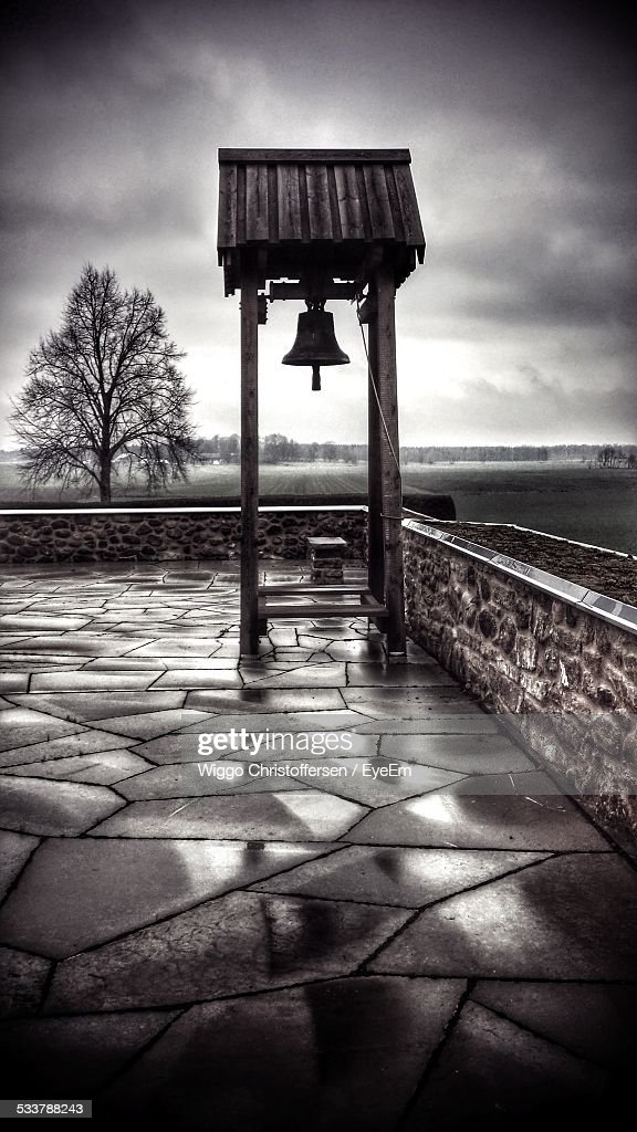 Bell Tower On Top Of Church Roof : Foto stock
