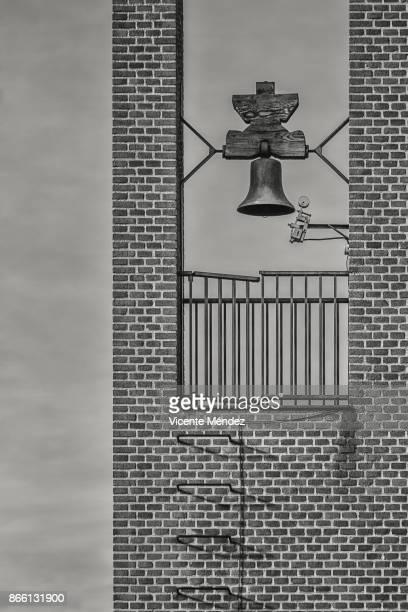 bell tower - vicente méndez fotografías e imágenes de stock