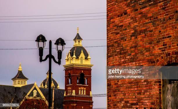 bell tower: queen street united methodist church - methodist church stockfoto's en -beelden