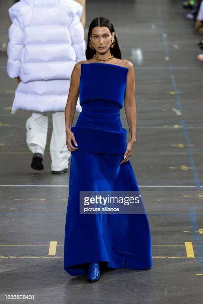 Bella Hadid at OFF-WHITE Fall Winter 2021 collection runway on July 2021 - Paris, France.