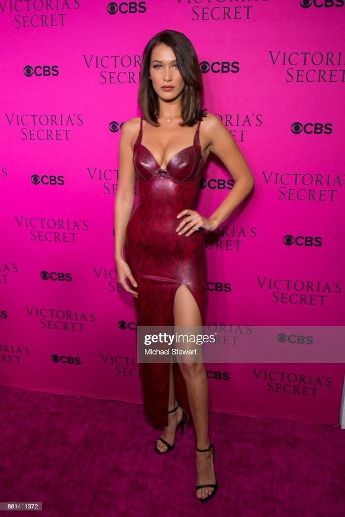 Victoria's Secret Viewing Party Pink Carpet : News Photo