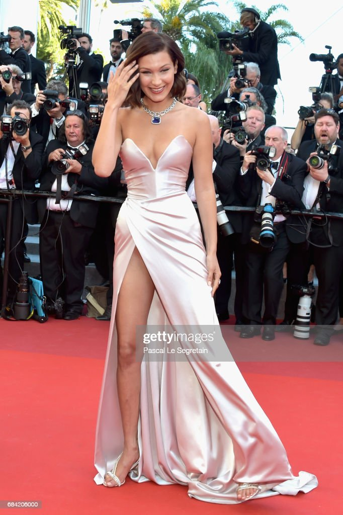 """Ismael's Ghosts (Les Fantomes d'Ismael)"" & Opening Gala Red Carpet Arrivals - The 70th Annual Cannes Film Festival : Nachrichtenfoto"