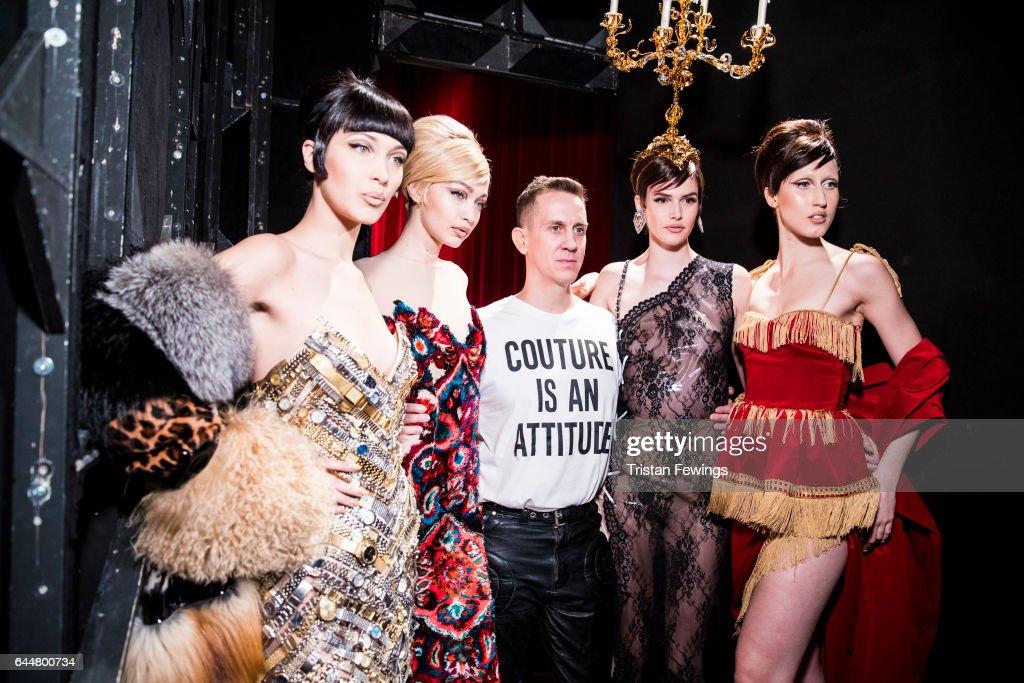 Moschino - Backstage - Milan Fashion Week Fall/Winter 2017/18 : News Photo