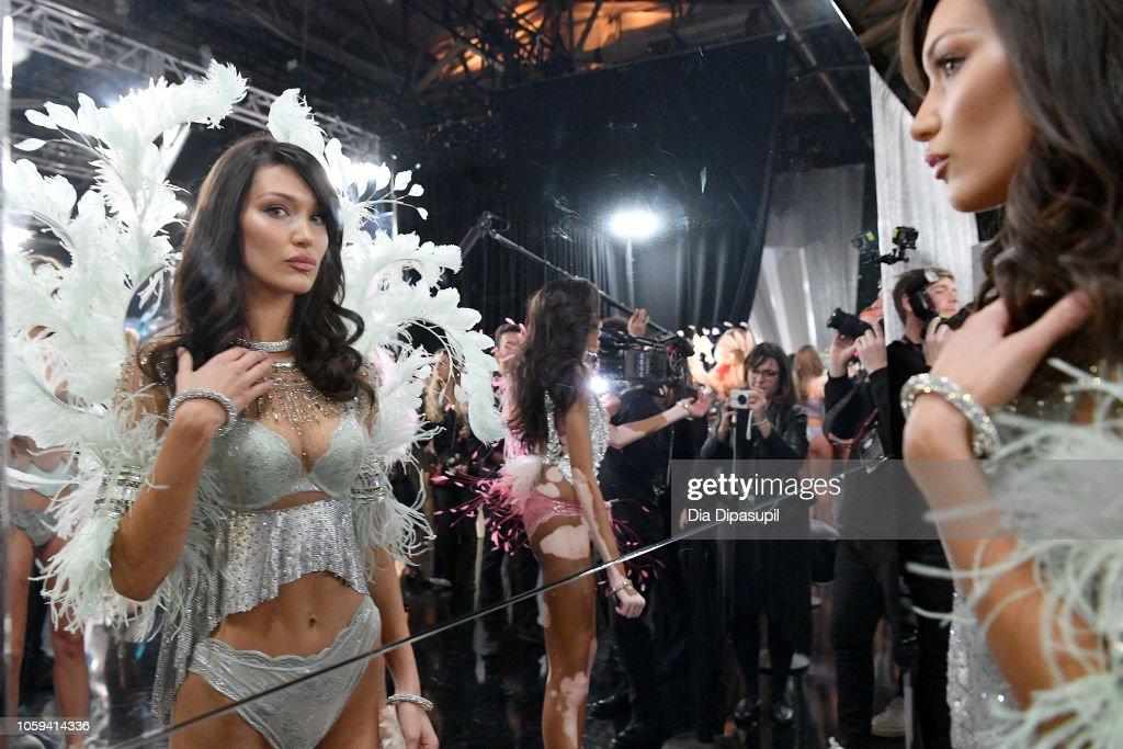2018 Victoria's Secret Fashion Show in New York - Backstage : News Photo