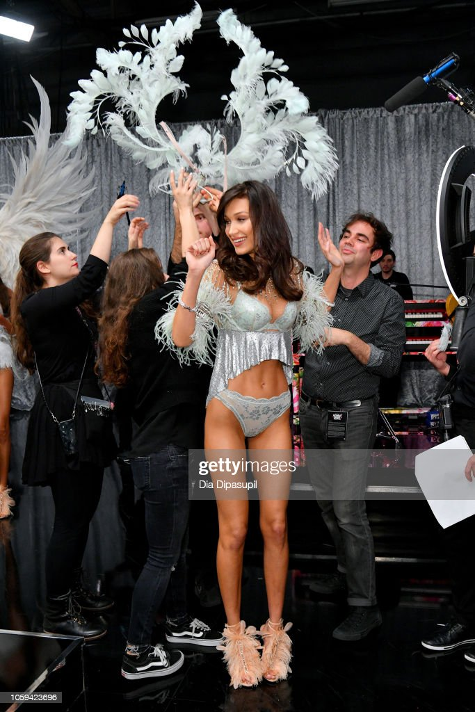 2018 Victoria's Secret Fashion Show in New York - Backstage : News Photo