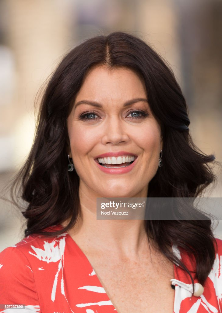 Bellamy Young visits 'Extra' at Universal Studios Hollywood on October 27, 2017 in Universal City, California.