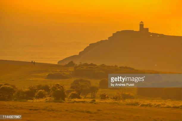 belle tout lighthouse and the seven sisters, east sussex, united kingdom - belle tout lighthouse stock photos and pictures