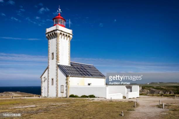 belle-île-en-mer, phare de la pointe des poulains - golfe du morbihan photos et images de collection