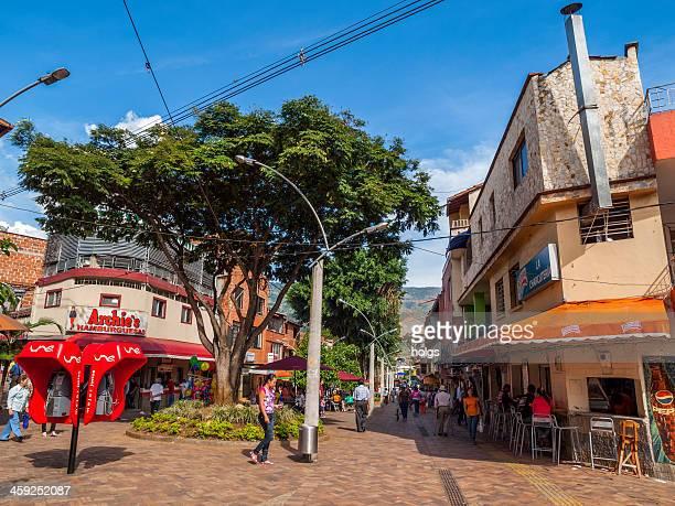 Bello pedestrian mall, Medellin, en Colombie