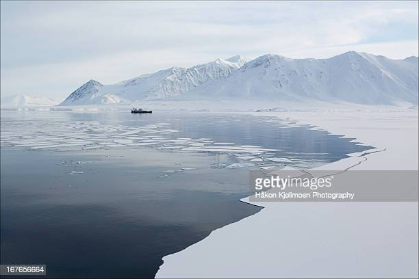 bellsund, svalbard - arctic stock pictures, royalty-free photos & images
