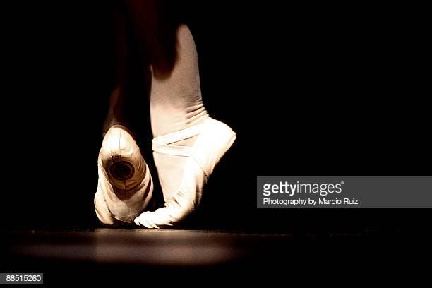 belly legs  - nylon feet stockfoto's en -beelden
