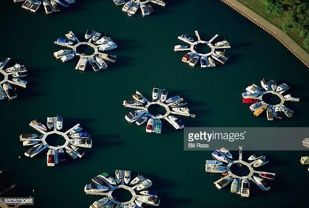 belmont harbor star docks in chicago, illinois by bill ross - belmont harbor fotografías e imágenes de stock