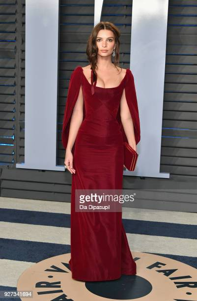 Belvedere Ambassador Emily Ratajkowski attends the 2018 Vanity Fair Oscar Party hosted by Radhika Jones at Wallis Annenberg Center for the Performing...