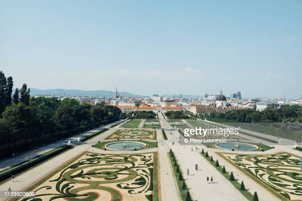 belvedere palace gardens. - peter lourenco stock pictures, royalty-free photos & images