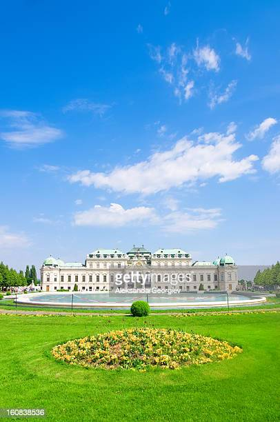 belvedere palace in vienna, austria - vienna austria stock pictures, royalty-free photos & images