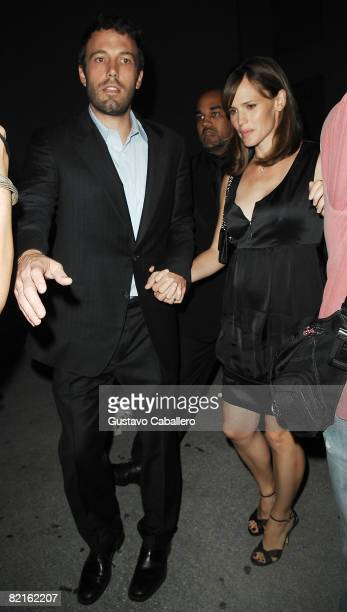 Ben Affleck and Jennifer Garner leave a Miami Beach restaurant on August 2 2008 in Miami Beach Florida