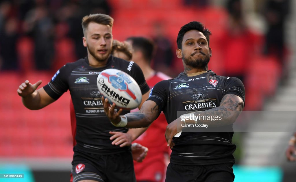 Salford Red Devils v St Helens - Betfred Super League : News Photo