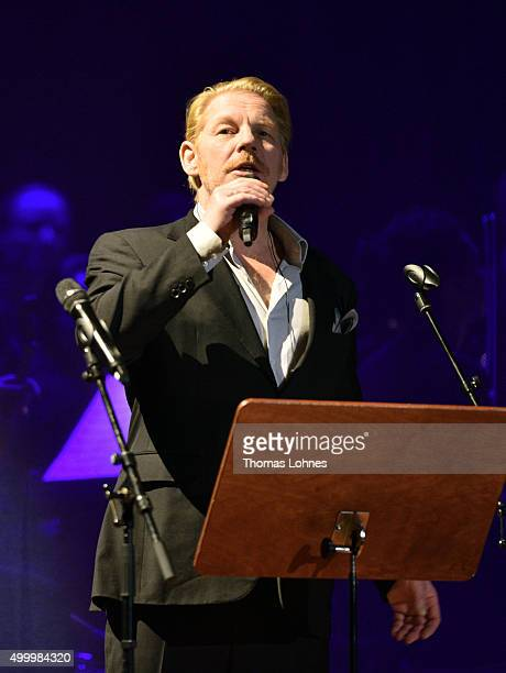 Ben Becker performs during the anniversary concert Rilke Projekt Live 'Dir zur Feier' at Alte Oper on December 4 2015 in Frankfurt am Main Germany...