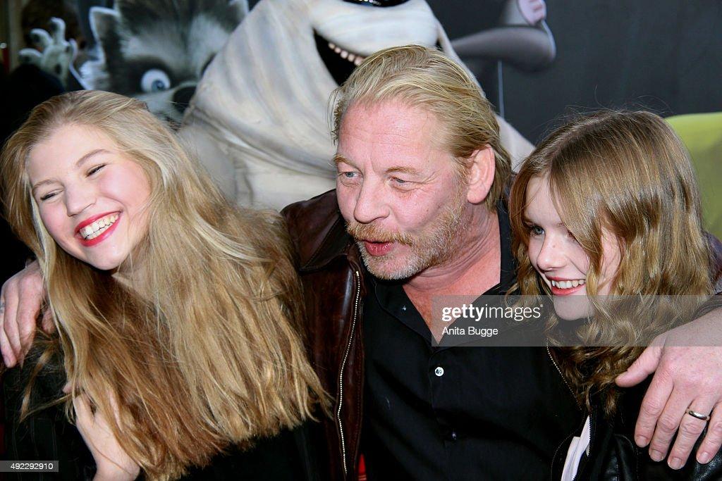 'Hotel Transsilvanien 2' German Premiere In Berlin : News Photo