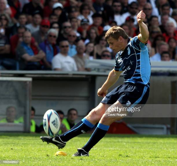 Ben Blair of Cardiff takes a penalty during the Amlin Challenge Cup Final between Toulon and Cardiff Blues at Stade Velodrome on May 23 2010 in...